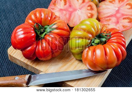 Green variety of tomato cultivated in the south of Spain called Raf