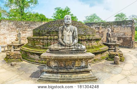 Visit The Stupa House Of Polonnaruwa