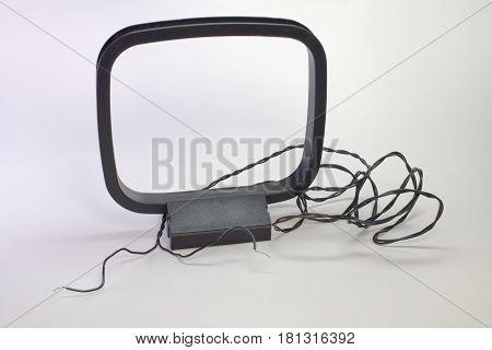 am loop radio antenna on a stand