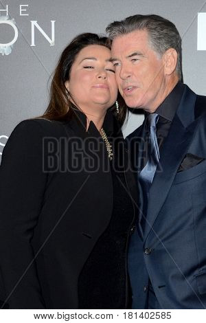 LOS ANGELES - APR 3:  Keely Shaye Smith, Pierce Brosnan at the AMC's