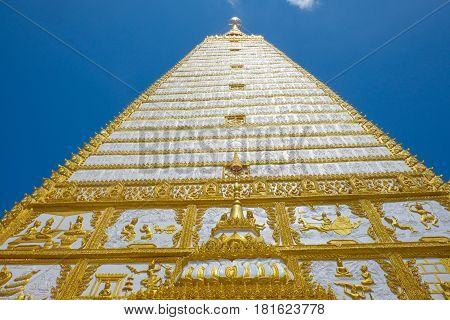 Wat Phrathat Nong Bua against blue sky and cloud in Ubon Ratchathani province Thailanda