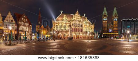 Panorama of ancient Bremen Market Square in the centre of the Hanseatic City of Bremen with famous City Hall, Cathedral, Church of Our Lady and Raths-Buildings, Germany