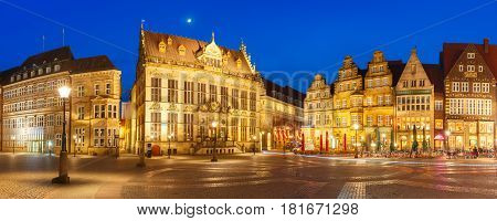 Ancient Bremen Market Square in the centre of the Hanseatic City of Bremen with Schutting and Raths-Buildings at night, Germany