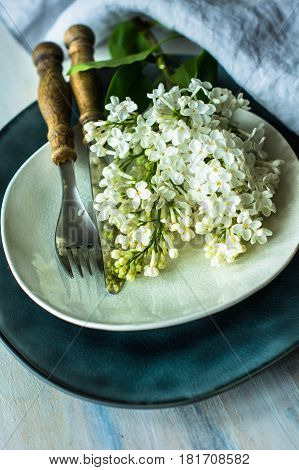 Spring Table Setting With White Lilac