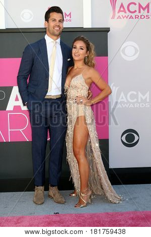 LAS VEGAS - APR 2:  Eric Decker, Jessie James Decker at the Academy of Country Music Awards 2017 at T-Mobile Arena on April 2, 2017 in Las Vegas, NV