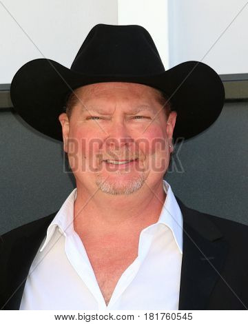 LAS VEGAS - APR 2:  Tracy Lawrence at the Academy of Country Music Awards 2017 at T-Mobile Arena on April 2, 2017 in Las Vegas, NV