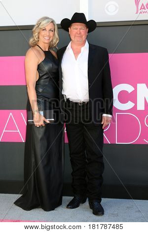 LAS VEGAS - APR 2:  Tracy Lawrence, Becca Lawrence at the Academy of Country Music Awards 2017 at T-Mobile Arena on April 2, 2017 in Las Vegas, NV