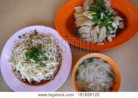 Ipoh traditional food Chicken Hor Fun with bean sprout