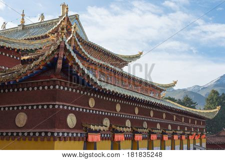 Langmusi, China - Sep 25 2014: Roof At Sertri Gompa (dacanglangmu Saichisi). A Famous Lamasery In La