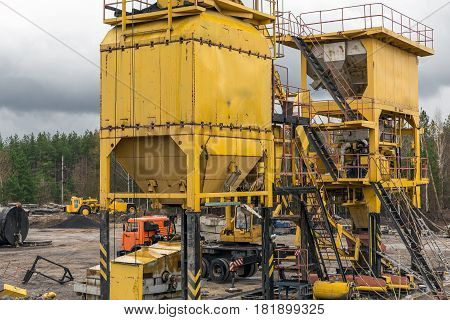Concrete or cement factory, Small Concrete Batching Plant, heavy construction industry