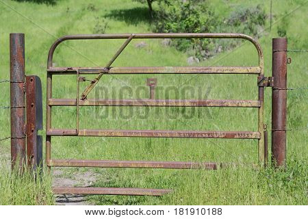Squeaky Gate: rustic cattle gate, along the Flag Hill Hiking Trail, at Sunol Regional Wilderness Park
