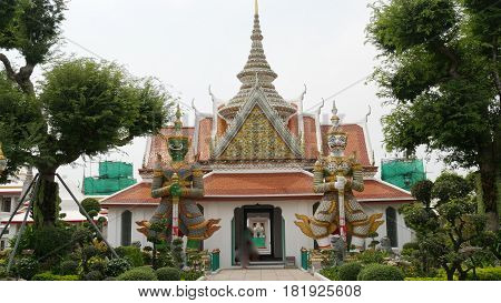 Temple of the Dawn, Wat Arun, Bangkok, Thailand Located in the west bank of the Chao Phraya River