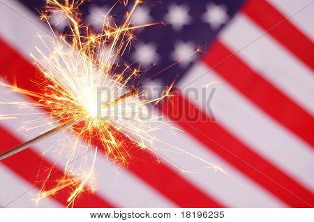 Fogos e bandeira EUA