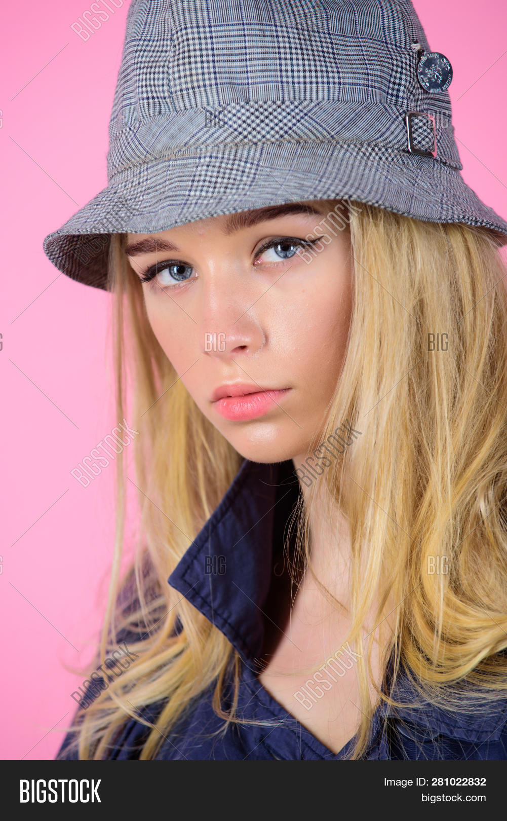 562404e1 Girl With Make Up Wear Wide Brimmed Hat. Fashion Girl Concept. Fashion And  Style