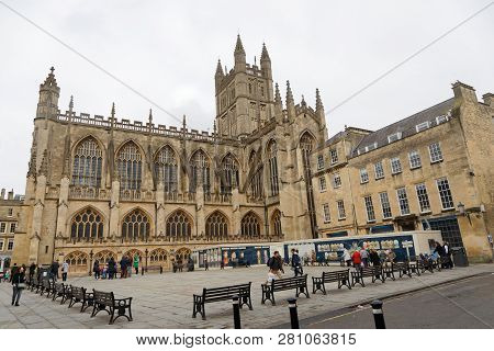 Bath, Great Britain - Dec 26, 2018: Bath Abbey, An Anglican Parish Church And Former Benedictine Mon