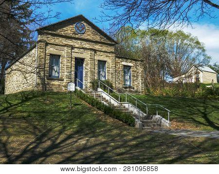 Arrowtown,new Zealand - Sept 25 2014: The Old Masonic Lodge Arrow Kilwinning No 86 In Arrowtown, New