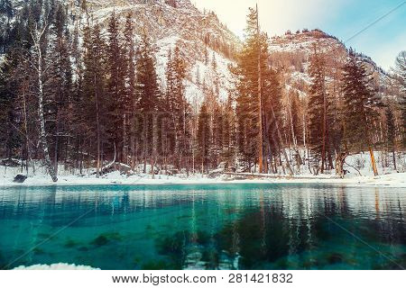 Winter Snow Lake In Mountains. Snow Winter Mountain Lake Valley Landscape. Winter Snow River In Wint