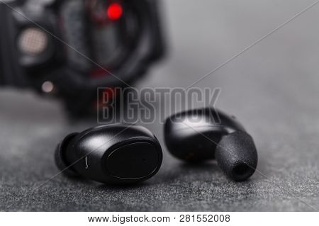 Bluetooth Earphones For Listen Music In Any Weather On Street