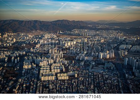 Aerial View Cityscape Of Seoul, South Korea. Aerial View Lotte Tower At Jamsil. View Of Seoul With R