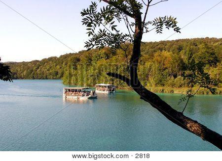 2 Ships On A Lake