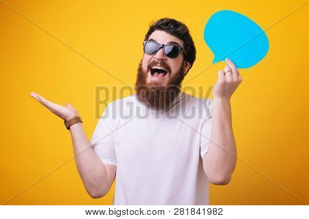 Share Opinion Speech Bubble Copy Space. Men With Beard Mature Hipster Wear Sunglasses. Explain Humor