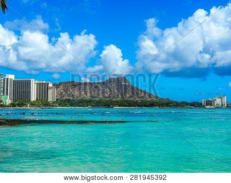 Waikiki Beach And Diamond Head Volcano