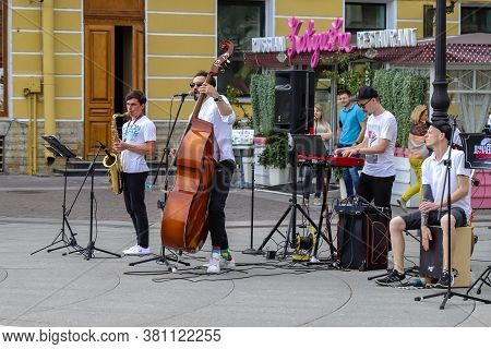 06.08.2020 Russia Saint Petersburg. Group Dunaevsky Orchestra Cover On Nevsky Prospekt Soloist Of Th