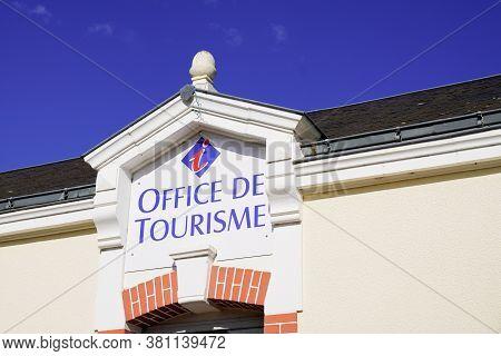 Bordeaux , Aquitaine / France - 08 10 2020 : Office De Tourisme Text Sign And Logo Means Information