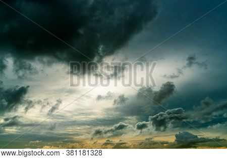 Sunset Sky And Gray And Golden Clouds. Gray Sky And Fluffy Clouds. Thunder And Storm Sky. Sad And Mo