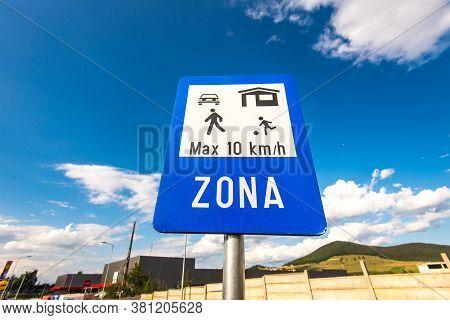 Miercurea Ciuc, Romania- 17 August 2020: Maximum 10 Kilometer Per Hours Street Sign At Local Mall.