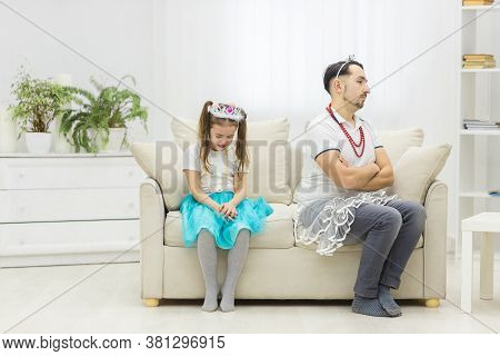Photo Of Problem Between Daugther And Offended Father.