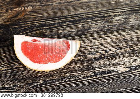 Real Ecological Citrus Fruits, Juicy Flesh Ready For Eating, Sweet And Sour Taste Of Products