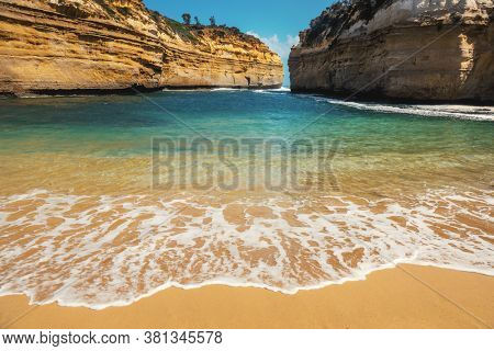 An image of the Loch Ard Gorge South Australia