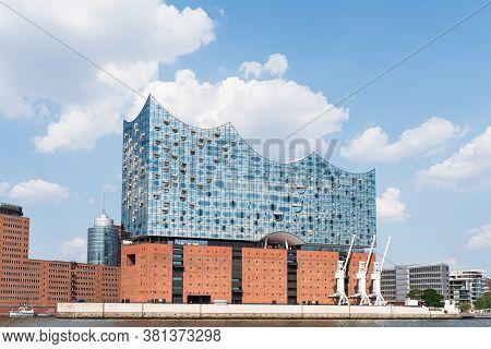 2020-08-16 Hamburg, Germany: Waterside View Of Elbphilharmonie Concert Hall With Elbe River Against