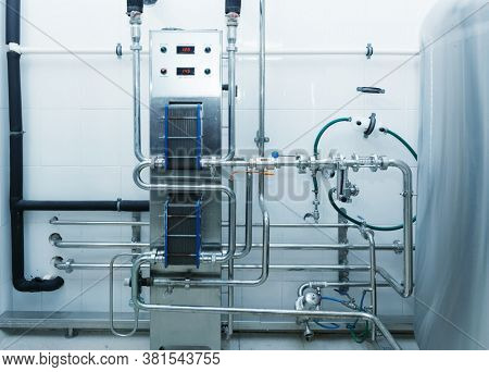 Beer mash cooling system, heat exchangers, brewery equipment, toned