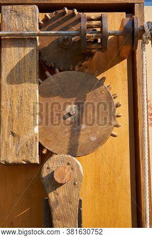 Wooden Mechanism, Wooden Gears Of The Old Mechanism