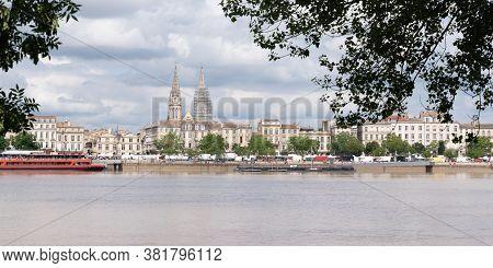 Bordeaux, Gironde / France - 05 26 2019 : Bordeaux City With The River Garonne In Web Banner Templat