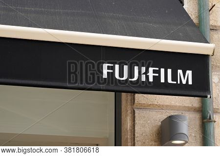 Bordeaux , Aquitaine / France - 08 16 2020 : Fujifilm Logo And Sign Front Of Store Of Holdings Corpo