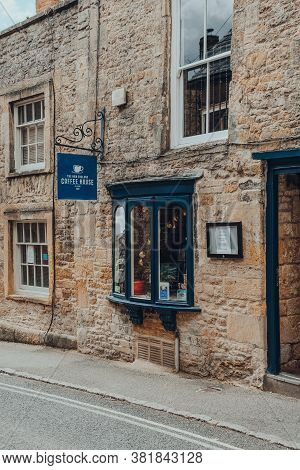 Stow-on-the-wold, Uk - July 10, 2020: Sign And Exterior Of The New England Coffee House In Stow-on-t