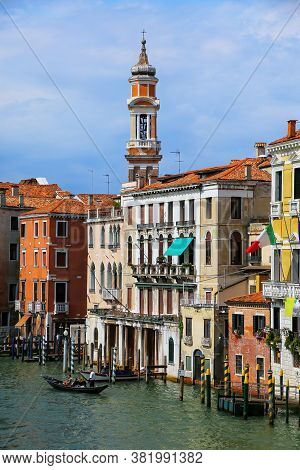 Colorful Buildings Along Grand Canal In Venice, Italy. Venice Is Situated Across A Group Of 117 Smal