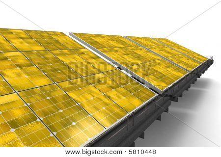Detalle de una línea de paneles solares amarillos