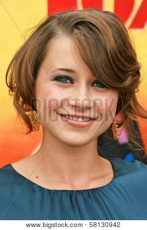 Olesya Rulin at the 2007 Teen Choice Awards. Gibson Amphitheater, Universal City, CA. 08-26-07