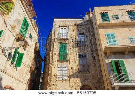 Tropea Architecture