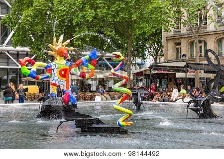 Fountain Near Centre Pompidou With Modern Art In Paris