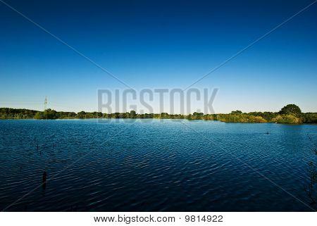 See und blauer Himmel