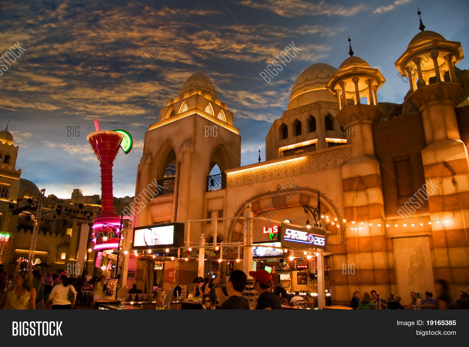 LAS VEGAS - MAY 2: Image & Photo (Free Trial) | Bigstock