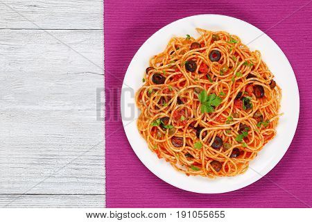 Spaghetti With Tomato Sauce, Capers And Olives
