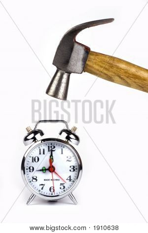Reloj despertador con martillo