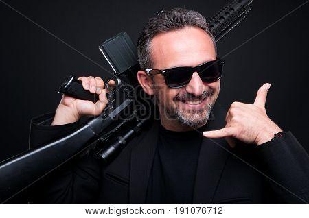 Mafia Dealer Selling Dangerous Machine Gun