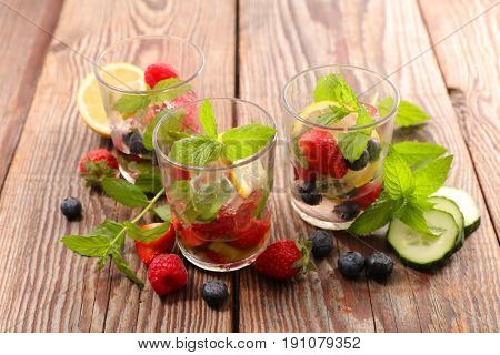 summer water fruit,detox water infused with fruits